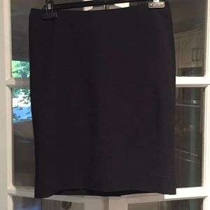 Dolce & Gabbana black pencil skirt. Size 44 8US